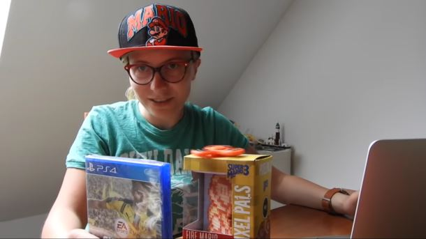 Konkurs: Do wygrania gra FIFA 17 i lampka z Mario