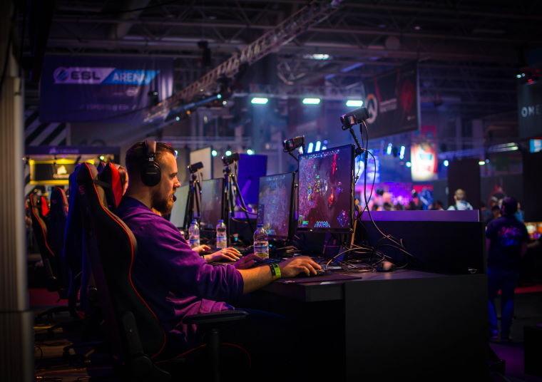 Wygraj wyjazd na finały ESL One lub zestawy gamingowe Mad Dog